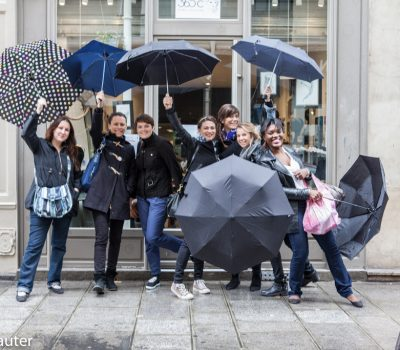 Les copines prêtes à affronter la pluie